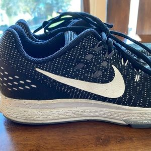 Nike Zoom Structure 19 Black & White size 9